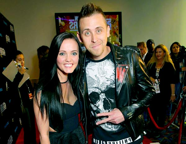 Image of Roman Atwood with his wife Brittney Atwood