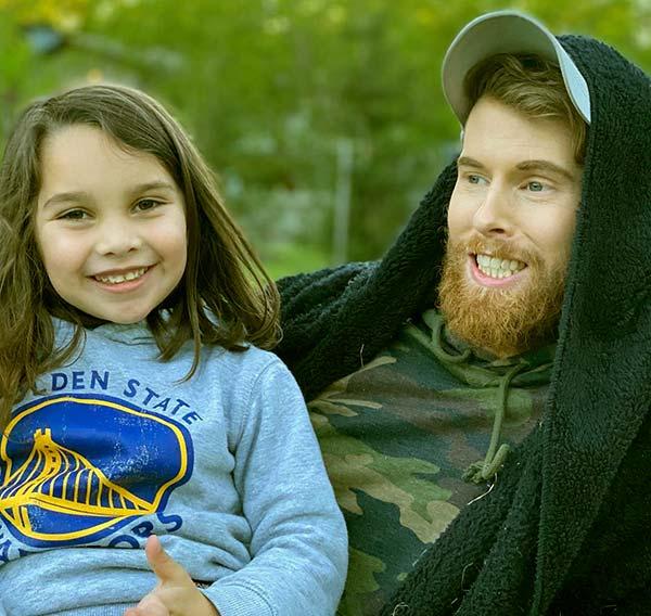 Image of Brandon Farris with hisgirlfriend daughter Autumn Gloria